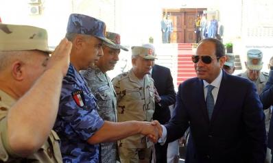 أبرزهم وزير الدفاع.. السيسي أطاح بـ12 من قيادات الجيش هذا العام