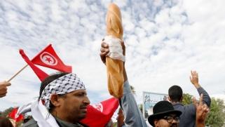 تونس تقتبس شعار السترات الصفراء.. هل هي بوادر ثورة ثانية