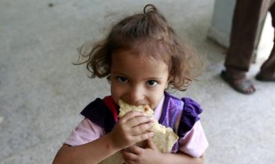 عاصفة إدانات للحوثيين بسبب سرقتهم للمساعدات الإنسانية