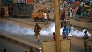 قتيل ثالث ومجلس الأمن يدعو لاحترام حق السودانيين في التظاهر