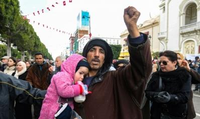 تونس لا تتحمل 215 حزبا تتسابق على حكمها