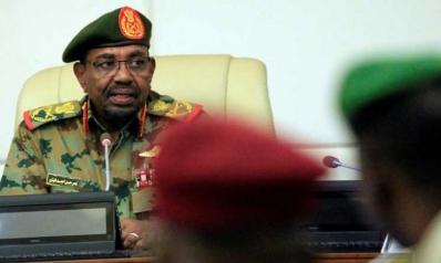 """السودان يستعجل الحلول الاقتصادية بإقالة محافظ """"المركزي"""""""