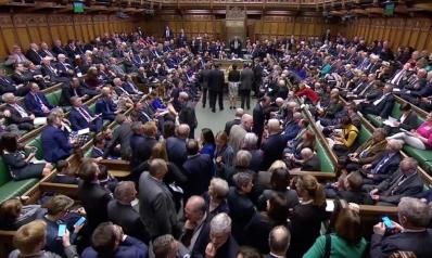 رفض ثلاثة مقترحات.. العموم البريطاني يؤيد تأجيل الخروج من الاتحاد الأوروبي