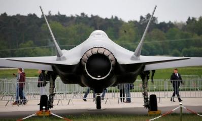 أمريكا تبعث رسالة لتركيا وتوقف شحن معدات إف-35