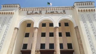 قدرت بـ200 مليار دولار.. هل تسترجع الجزائر الأموال المنهوبة؟