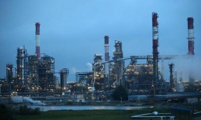 أسعار النفط تتعزز مع تصاعد الخلاف التجاري بين الصين وأميركا