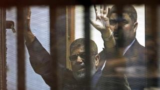 عاجل: وفاة الرئيس المصري السابق محمد مرسي أثناء محاكمته