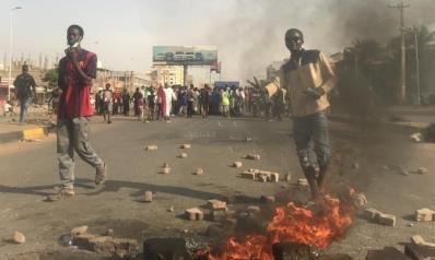 بعد مقتل طلاب الأبيّض.. غضب في شوارع السودان والبرهان يتهم المتظاهرين