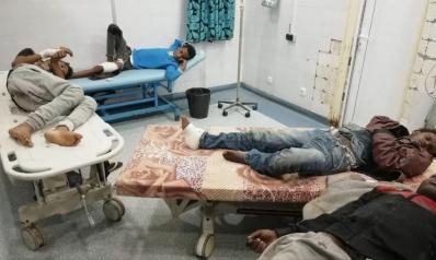 عشرات القتلى والجرحى.. قوات حفتر تقصف مركز مهاجرين بطرابلس