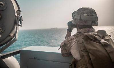 ما خيارات إيران للرد على الحشد العسكري بمضيق هرمز؟