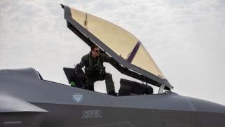 الإدارة الأميركية توقف بيع أف-35 لأنقرة وتطرد طيارين أتراك