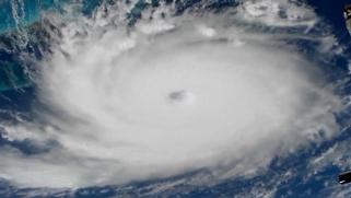 إعصار غير مسبوق يضرب جزر الباهاما وطوارئ بأميركا
