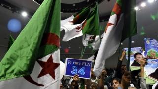 فضائح الفساد تعمق أزمة جبهة التحرير الجزائرية
