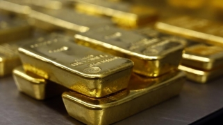 لماذا يواصل الذهب رحلة الهبوط؟