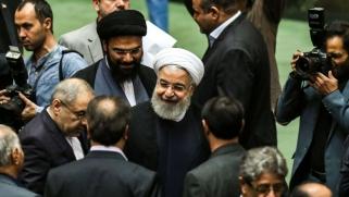 روحاني يضغط على الأوروبيين برفض أي مفاوضات مع واشنطن