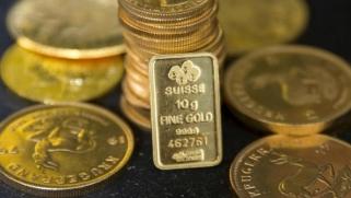 البريطانيون يكنزون الذهب في مواجهة غموض «بريكست»