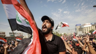 حكومة بغداد تبرئ السياسيين والميليشيات من قتل المتظاهرين
