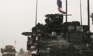 لمنح النفط للأكراد وحماية إسرائيل.. خطة أميركية لإبقاء قوات في سوريا