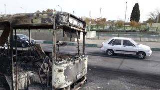قتلى في مواجهات بين قوات الباسيج ومحتجين إيرانيين