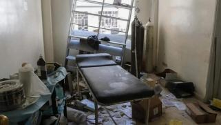الغارات تتجدد.. مستشفيات إدلب في عين القصف