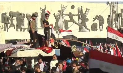 قتلى وجرحى بالبصرة وكربلاء والسلطات تتصدى للمظاهرات