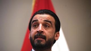 انتفاضة العراق تتطلع إلى حل البرلمان بعد إقالة الحكومة