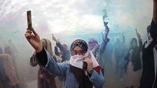 أحزاب الفساد ودول الجوار تجر العراق نحو الهاوية