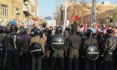 التظاهرات الغاضبة تعم إيران لليوم الثالث على التوالي