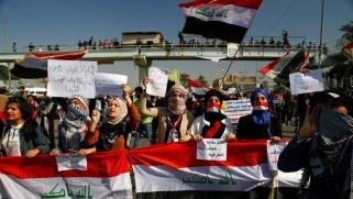 تجدد المواجهات بين أنصار الصدر ومحتجين وعلاوي يلمّح للاعتذار