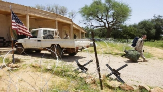 """واشنطن تعيد تنظيم قواتها في أفريقيا: """"لن نغادر"""""""