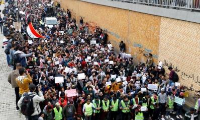 تجدد الاحتجاجات في العراق وتكهنات بقرب إعلان علاوي لحكومته