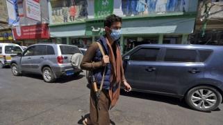 الحوثي يعتبر كورونا صناعة أميركية: ماذا عن إيران