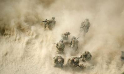 أمريكا تنفذ ضربات انتقامية بعد هجوم على قواتها بالعراق