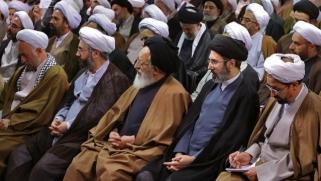 فيروس كورونا في إيران: عوامل متعلقة برجال الدين