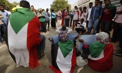 هل يستفيد السودان من قرار رفع العقوبات الاقتصادية الأمريكية عنه؟