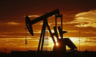 بلومبيرغ: إغلاق محطة الفجيرة لتخزين النفط نتيجة امتلاء خزاناتها