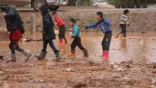 مخاوف من تفشي الوباء.. نازحون بالشمال السوري: لم نسمع يوما بكورونا