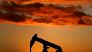 """اجتماع """"أوبك+"""" فرصة أخيرة لانتشال أسعار النفط من القاع"""