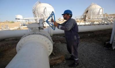 تقليص الإنتاج النفطي العراقي يعمّق أزماته المالية