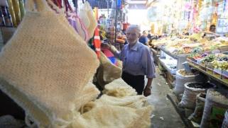 هبوط الدينار العراقي أمام الدولار يخيف الأسواق والمواطنين