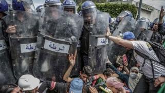 هل تلجأ الجزائر إلى ماكينة النظام السابق لتمرير الدستور الجديد