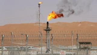 الكويت والسعودية توقفان إنتاج النفط من حقل الخفجي