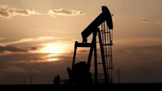 مع تخفيف قيود كورونا.. النفط يستعد لإنهاء أسبوع جديد من المكاسب