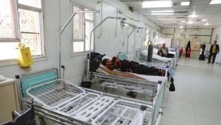 """كورونا """"يجهز"""" على النظام الصحي اليمني"""