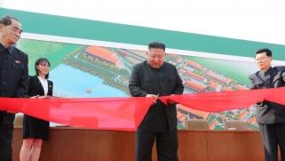 أول ظهور إعلامي لزعيم كوريا الشمالية بعد تكهنات بشأن صحته