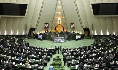 إصلاحيو إيران ومحافظوها والانقسام على السلطة