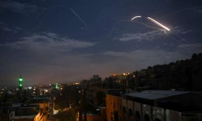 ما الذي يدفع إسرائيل إلى تطويق عنق إيران في سوريا؟