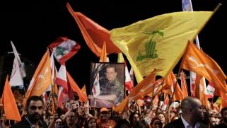 حملة مفاجئة لجماعة عون على حزب الله إثر ضغوط دولية على باسيل