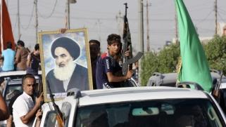 ميدل إيست آي.. هكذا يتحرك السيستاني لكسر قبضة إيران على الحشد الشعبي