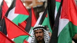 كيف يتعيّن على السلطة الفلسطينية الردّ على خطة الضم الأمريكية-الإسرائيلية؟